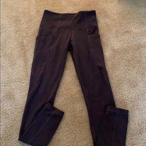 Athleta salutation stash pocket tights